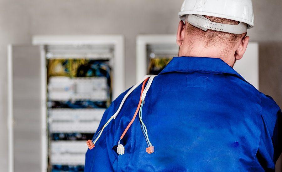 Comment choisir votre électricien pour un chantier électrique